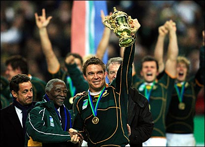 John Smit lifts the Web Ellis Cup
